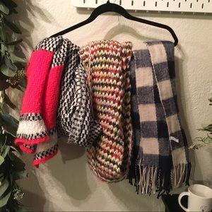 🌿 BUNDLE Anthropologie scarf Vintage wrap thick